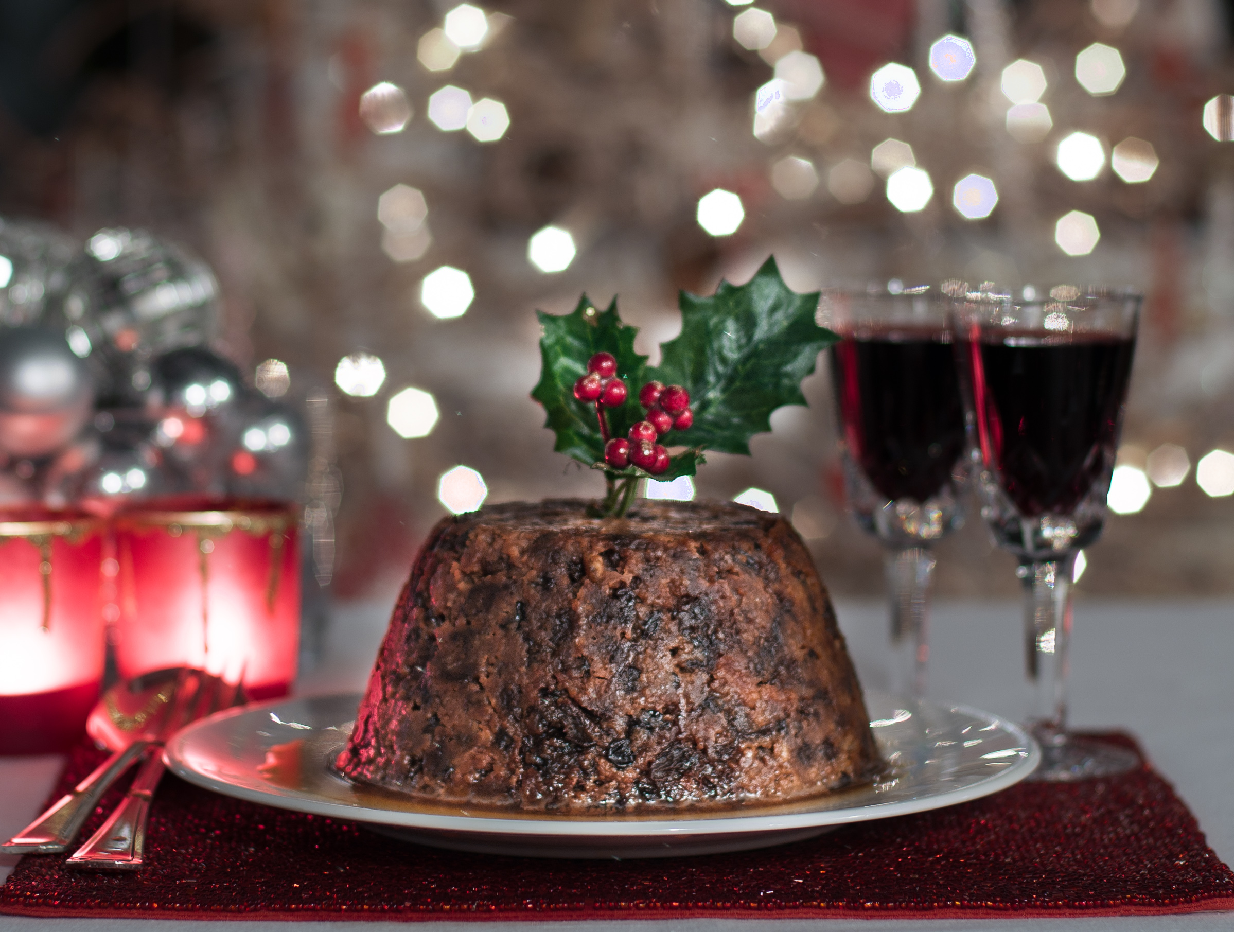 Fruity christmas pudding recipe woodend cookery for Xmas pudding