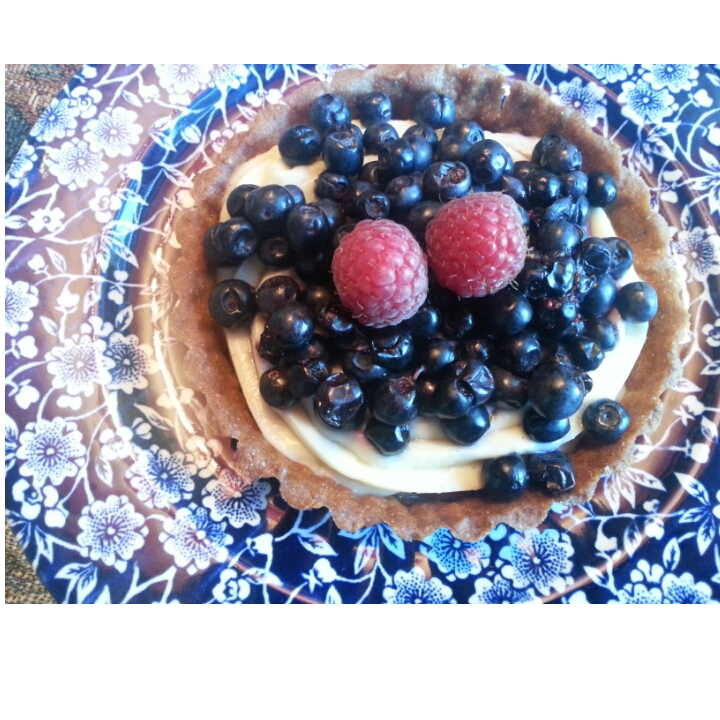 Fruit tartlet with bilberries