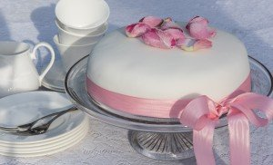 A simply iced cake for any celebration